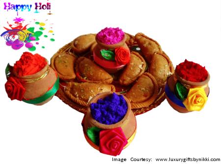 Savor the Sweetness of Gujiya this Holi